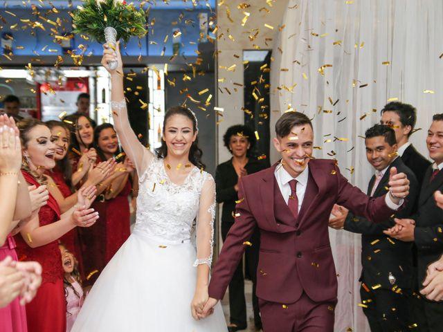 O casamento de Tiago e Mirian em Curitiba, Paraná 17
