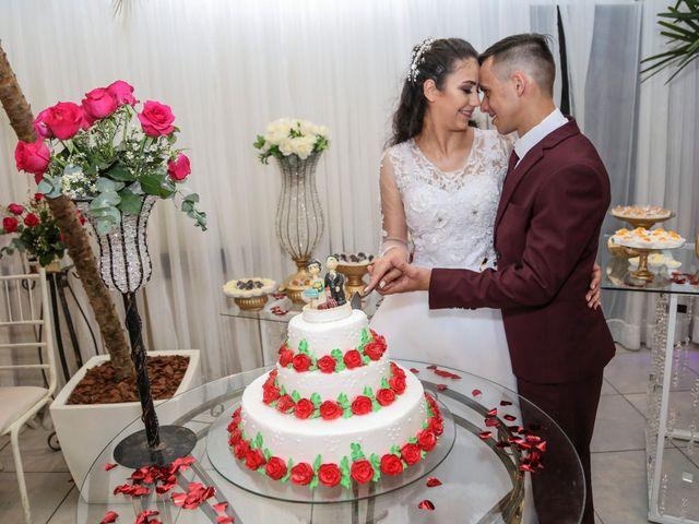 O casamento de Tiago e Mirian em Curitiba, Paraná 18