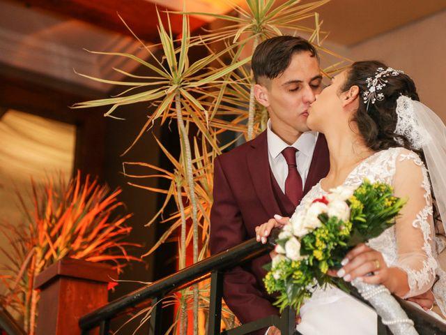 O casamento de Tiago e Mirian em Curitiba, Paraná 22