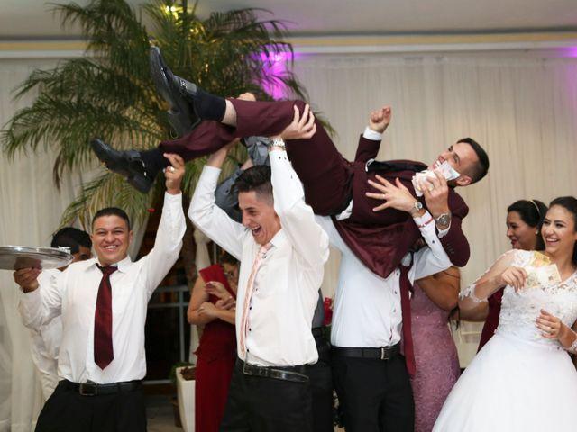 O casamento de Tiago e Mirian em Curitiba, Paraná 26