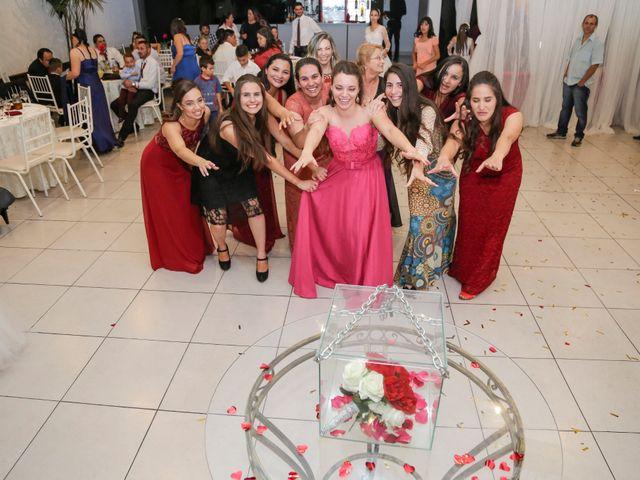 O casamento de Tiago e Mirian em Curitiba, Paraná 27