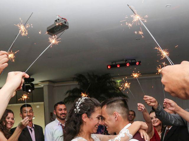 O casamento de Tiago e Mirian em Curitiba, Paraná 28