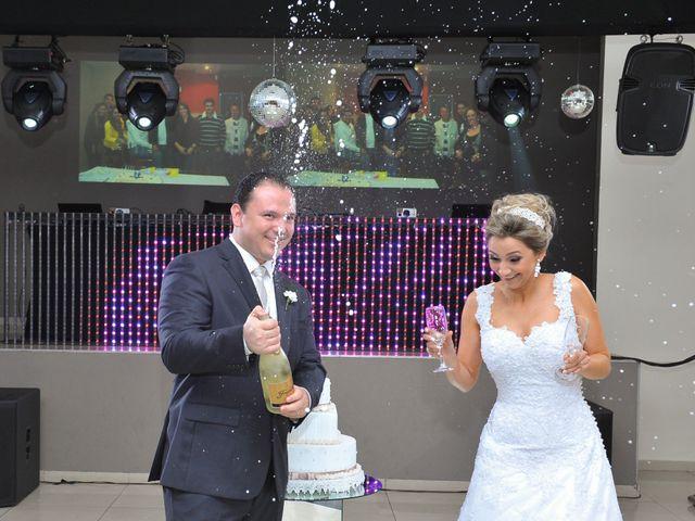O casamento de Renan e Thaise em Londrina, Paraná 30