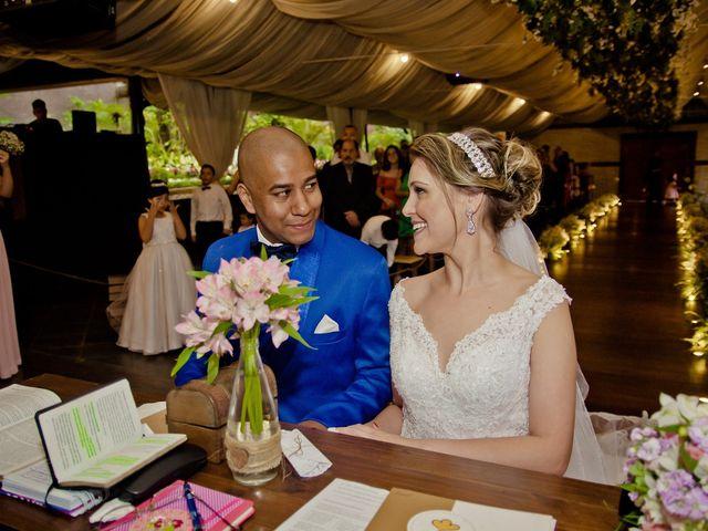 O casamento de Marcus e Denise em Diadema, São Paulo 23