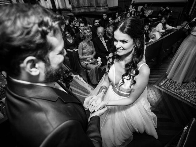 O casamento de Lucas e Mari em Belo Horizonte, Minas Gerais 17