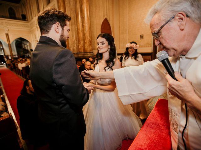 O casamento de Lucas e Mari em Belo Horizonte, Minas Gerais 18