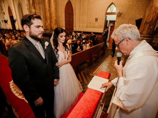 O casamento de Lucas e Mari em Belo Horizonte, Minas Gerais 21