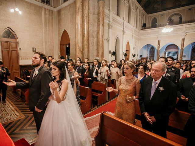 O casamento de Lucas e Mari em Belo Horizonte, Minas Gerais 22