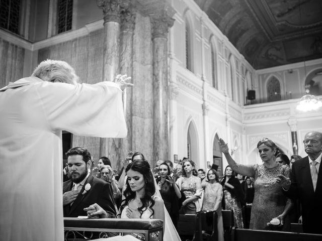 O casamento de Lucas e Mari em Belo Horizonte, Minas Gerais 25