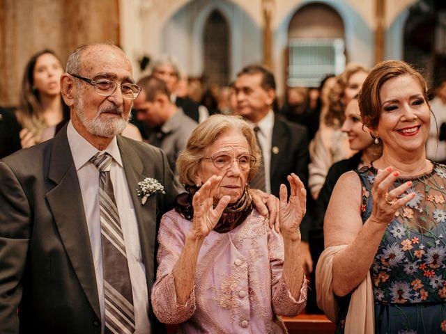 O casamento de Lucas e Mari em Belo Horizonte, Minas Gerais 26