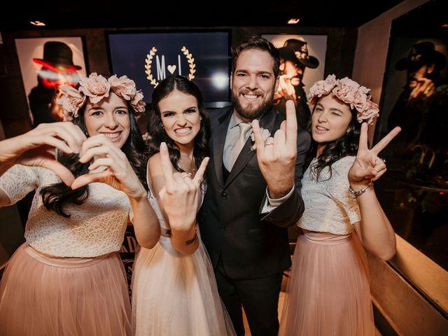 O casamento de Lucas e Mari em Belo Horizonte, Minas Gerais 35