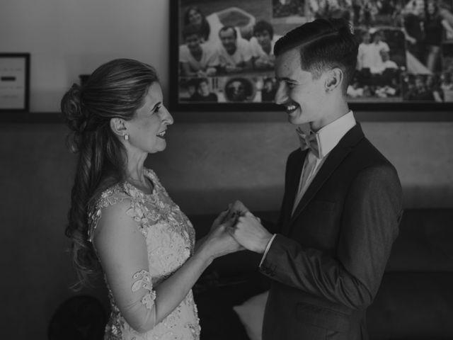 O casamento de Thais e Gabriel em Curitiba, Paraná 27