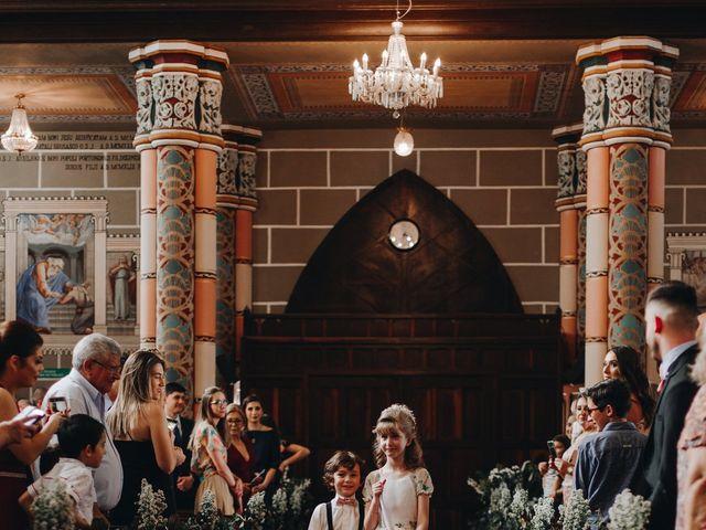 O casamento de Thais e Gabriel em Curitiba, Paraná 54