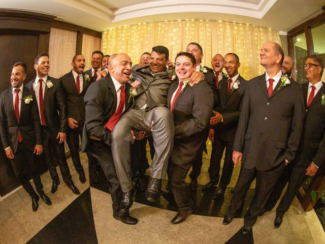 O casamento de Joelson e Graziely em Curitiba, Paraná 30