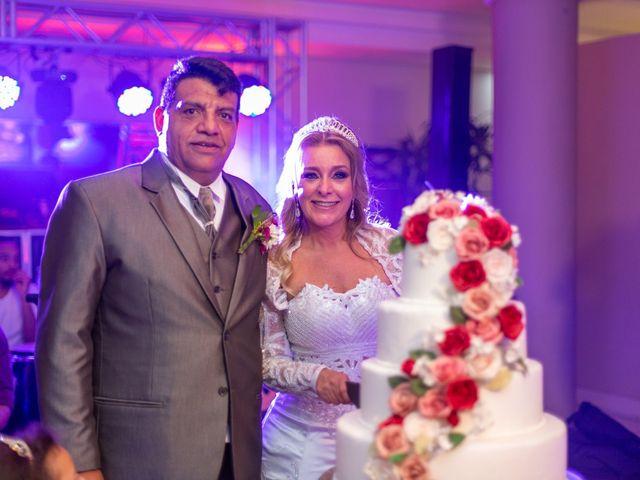 O casamento de Joelson e Graziely em Curitiba, Paraná 32
