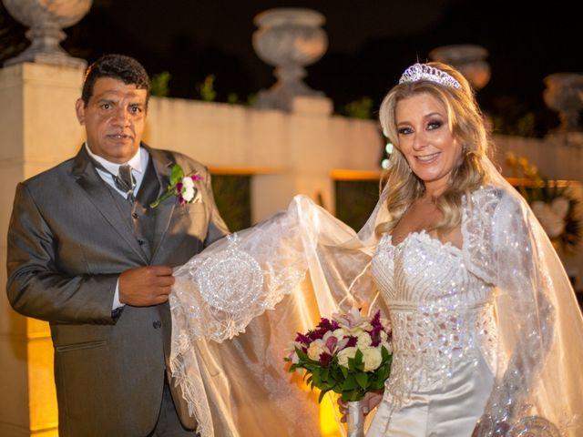O casamento de Joelson e Graziely em Curitiba, Paraná 35