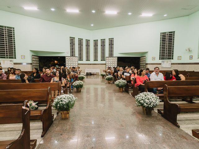 O casamento de Thiago e Raphaela em Belo Horizonte, Minas Gerais 25