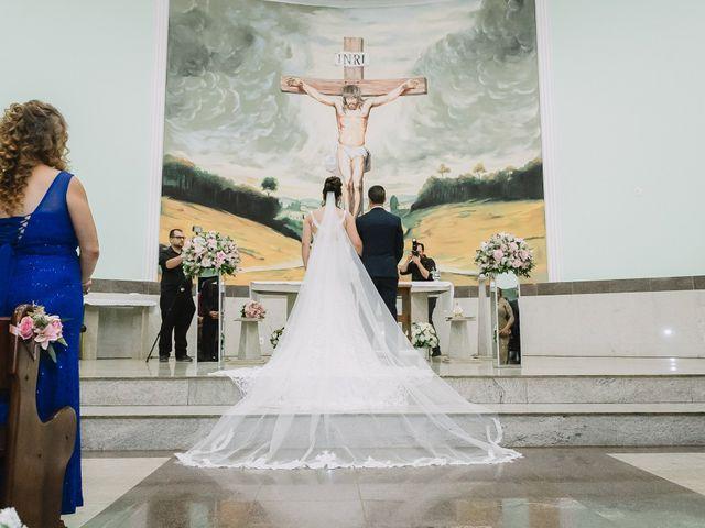O casamento de Thiago e Raphaela em Belo Horizonte, Minas Gerais 34