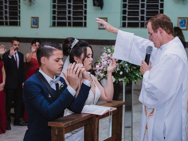 O casamento de Thiago e Raphaela em Belo Horizonte, Minas Gerais 42