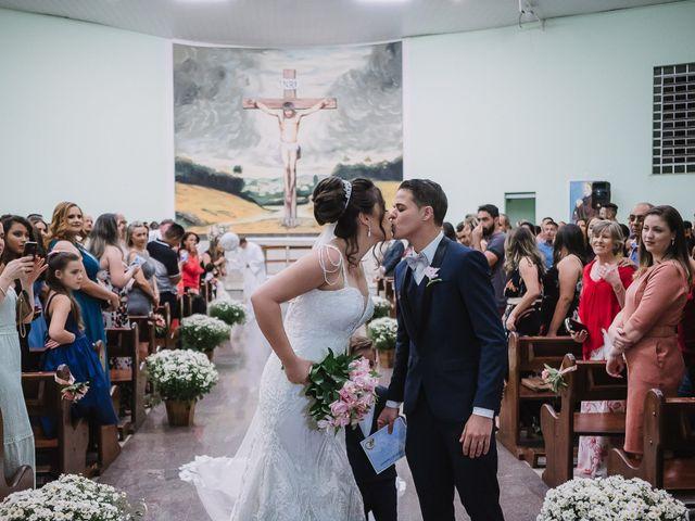 O casamento de Thiago e Raphaela em Belo Horizonte, Minas Gerais 43