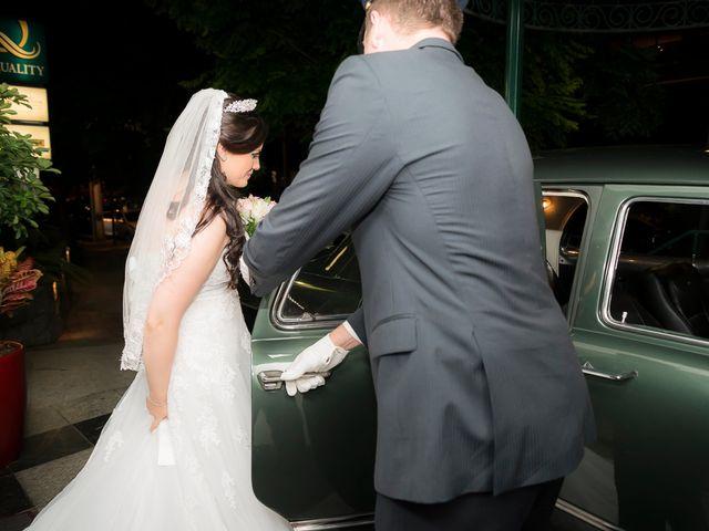 O casamento de Leonardo e Rafaela em São José dos Pinhais, Paraná 20