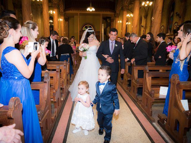 O casamento de Leonardo e Rafaela em São José dos Pinhais, Paraná 25