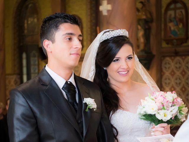 O casamento de Leonardo e Rafaela em São José dos Pinhais, Paraná 27