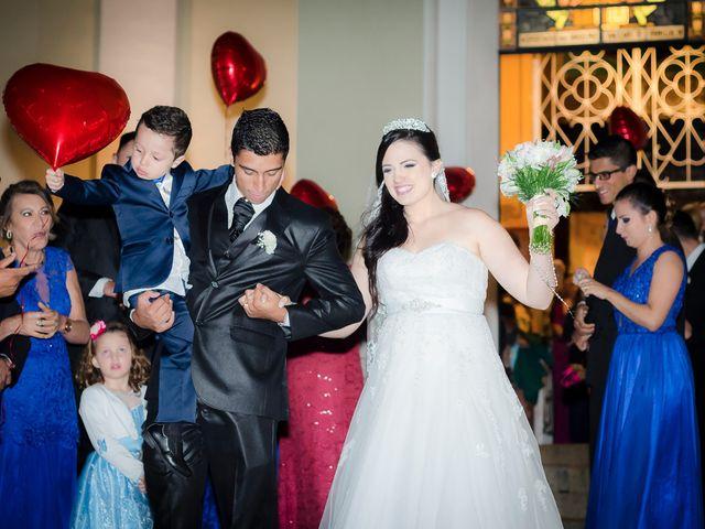 O casamento de Leonardo e Rafaela em São José dos Pinhais, Paraná 36