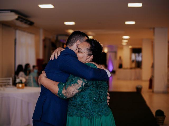 O casamento de Mateus e Claudineia em Joinville, Santa Catarina 34
