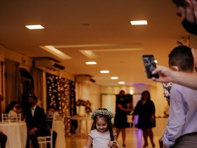 O casamento de Mateus e Claudineia em Joinville, Santa Catarina 39