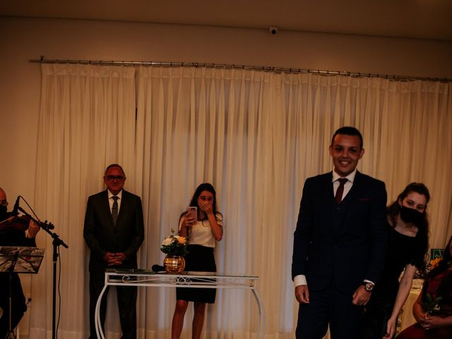 O casamento de Mateus e Claudineia em Joinville, Santa Catarina 42