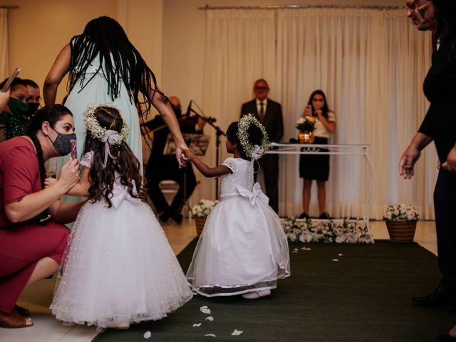 O casamento de Mateus e Claudineia em Joinville, Santa Catarina 43