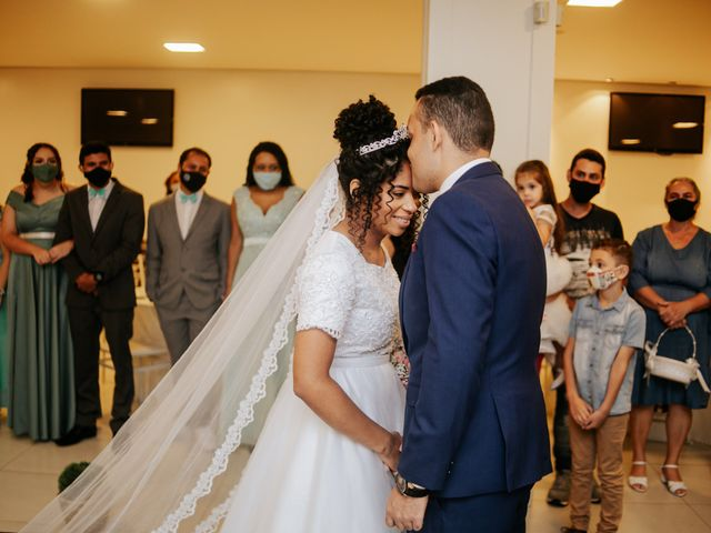 O casamento de Mateus e Claudineia em Joinville, Santa Catarina 49