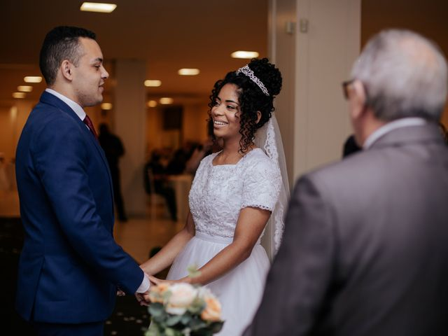 O casamento de Mateus e Claudineia em Joinville, Santa Catarina 60