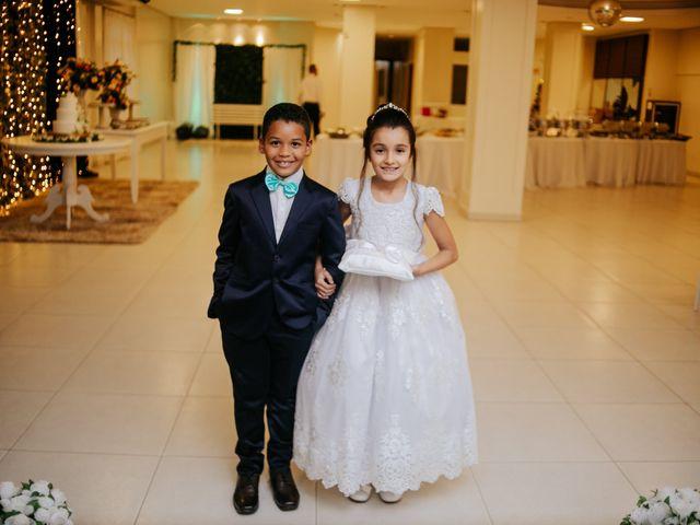 O casamento de Mateus e Claudineia em Joinville, Santa Catarina 66