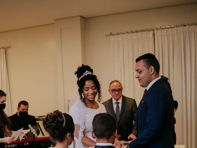 O casamento de Mateus e Claudineia em Joinville, Santa Catarina 69