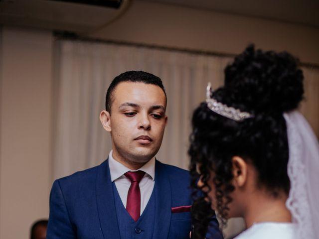 O casamento de Mateus e Claudineia em Joinville, Santa Catarina 81