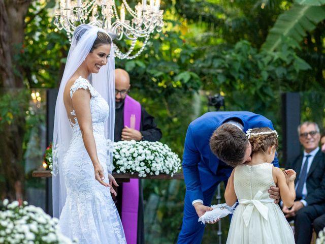 O casamento de Leandro e Fábia em Florianópolis, Santa Catarina 24