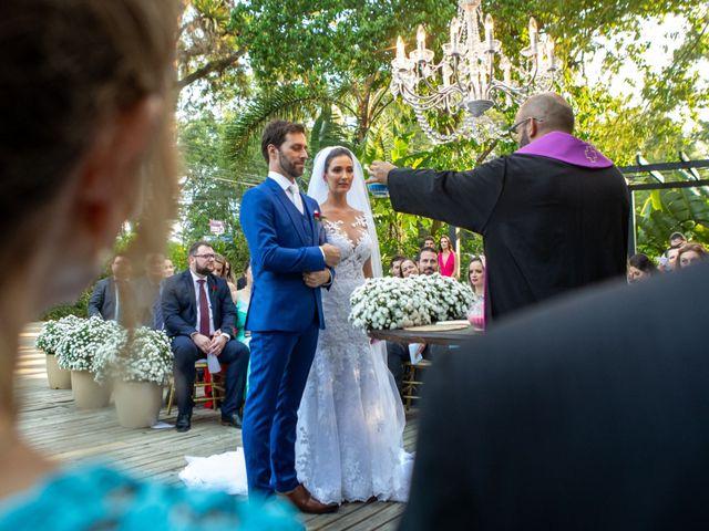 O casamento de Leandro e Fábia em Florianópolis, Santa Catarina 33
