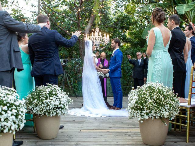 O casamento de Leandro e Fábia em Florianópolis, Santa Catarina 34
