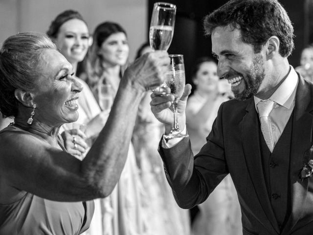 O casamento de Leandro e Fábia em Florianópolis, Santa Catarina 43