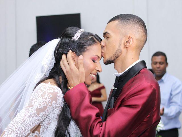 O casamento de Marci e Adiel em Osasco, São Paulo 13