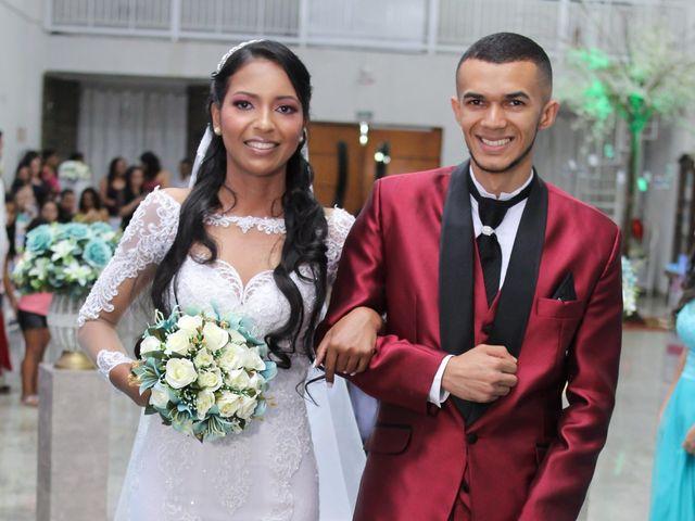 O casamento de Marci e Adiel em Osasco, São Paulo 14