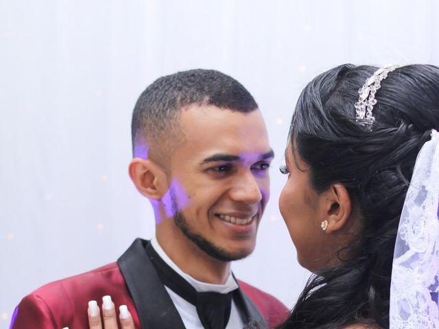 O casamento de Marci e Adiel em Osasco, São Paulo 18