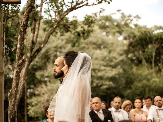 O casamento de Tiago e Amanda em Curitiba, Paraná 25