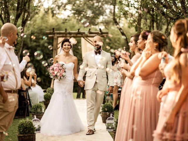 O casamento de Tiago e Amanda em Curitiba, Paraná 35