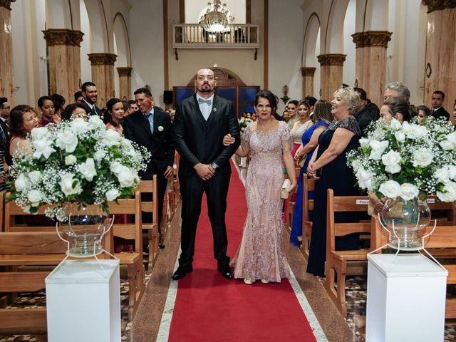 O casamento de Cleiton e Fernanda em Campo do Meio, Minas Gerais 64