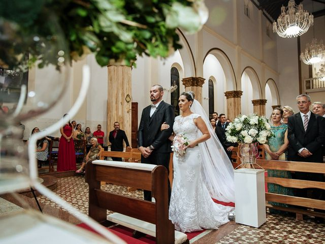 O casamento de Cleiton e Fernanda em Campo do Meio, Minas Gerais 68