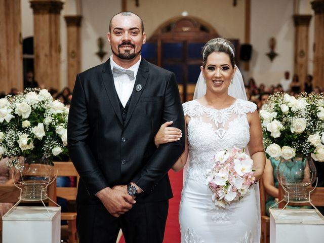 O casamento de Cleiton e Fernanda em Campo do Meio, Minas Gerais 69