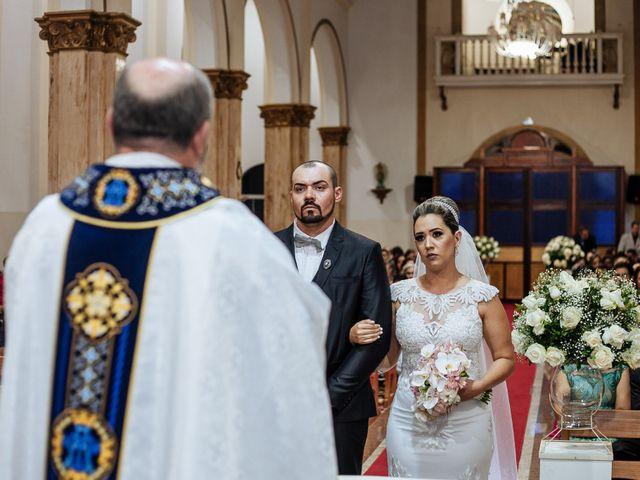 O casamento de Cleiton e Fernanda em Campo do Meio, Minas Gerais 71